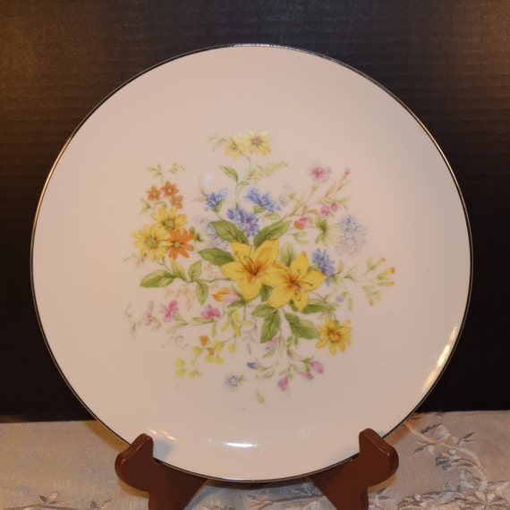 Gildhar Spring Bouquet Dinner Plate Vintage Spring Dinner Plate Fine Porcelain China 6199 Pattern Holiday Dinnerware Easter Dinner Plate