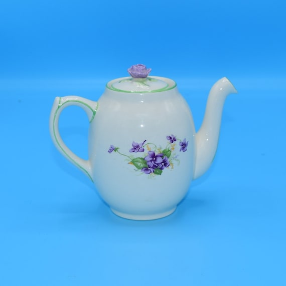 Fondeville Ambassador Ware Small Teapot Vintage English 2 Cup Purple Floral Teapot Rose Finial Wedding Gift for Her Afternoon Tea Party