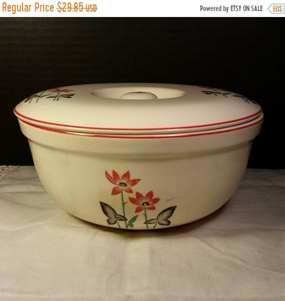 Sale Clearance Universal Cambridge Covered Casserole Vintage American Pottery Cookware Farmhouse Rustic Kitchen Made in USA Collectible Pott