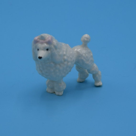 Miniature Poodle Figurine Vintage Ceramic Mini Dog Figure Shadowbox Figurine Kitsch Home Decor Dog Collectible Dog Lover Gift for Her