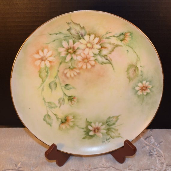 Artist Signed Decorative Plate Vintage Hand Painted Daisy Decorative Plate Signed Fay Watt Gift for Her Mothers Day Gift Wedding Decor Gift