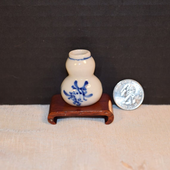 Asian Blue White Snuff Bottle Vintage Chinese Hand Painted Porcelain Snuff with Stand Blue & White Oriental Miniature Snuff Asian Decor
