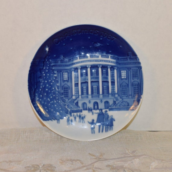 "1987 Bing & Grondahl Christmas in America 'Christmas Eve at the Whitehouse' Collectible Plate 5"" Made in Denmark Blue and White China Plate"