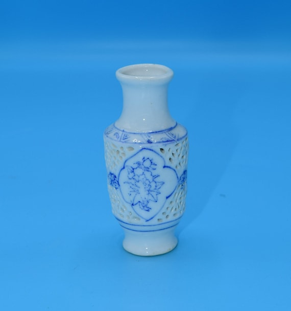 Blue & White Miniature Vase Vintage Open Lace Porcelain Mini Vase Blue Painted White Vase Oriental Asian Style Vase Gift for Her Wedding