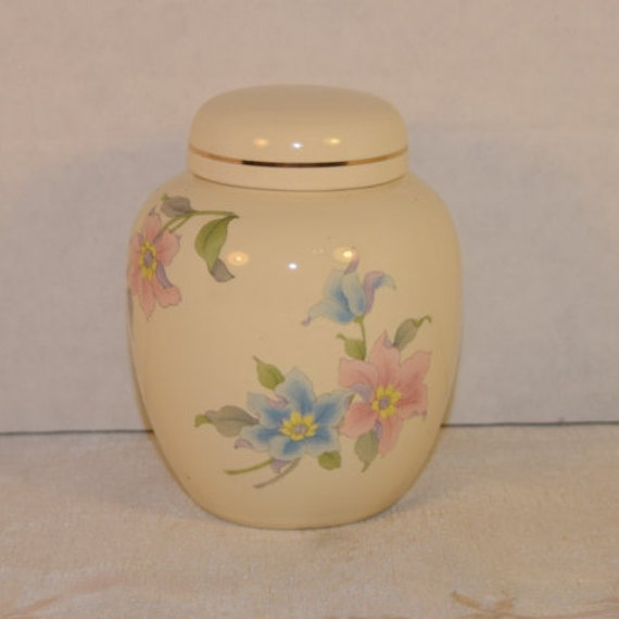 Floral Ginger Jar Vintage Decorated Lidded Jar Made in Japan Oriental Asian Decor Biscuit Jar Trinket Box Gift for Her Mothers Day Gift