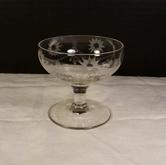 Etched Blown Crystal Glass Sundae Dish Vintage Dessert Bowl Swag Star Flowers Dessert Ice Cream Cup Glass Servingware Gift for Her Wedding