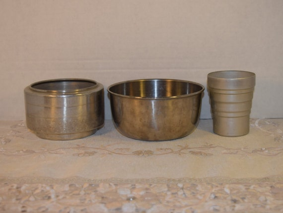Metal Bowl Collection Vintage Set of 3 Metal Kitchenware Small Mixing Bowl Mixer Cup Sifter Mid Century Aluminum Kitchen Ware Gadgets