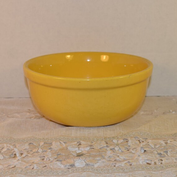 Oxfordware Stoneware Bowl Vintage Made in USA Yellow Pottery Oxfordware Yellow Glazed Stoneware Bowl Yellow Mixing Bowl 1950s Pottery