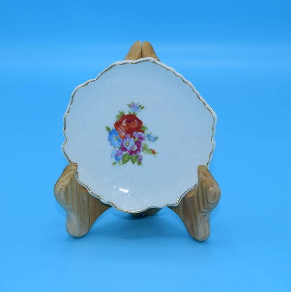 Bon Bon Plate Vintage Hand Painted Made in Japan Leaf Shaped Small Plate Candy Dish Petit Fours Plate Gift for Her Mothers Day Gift