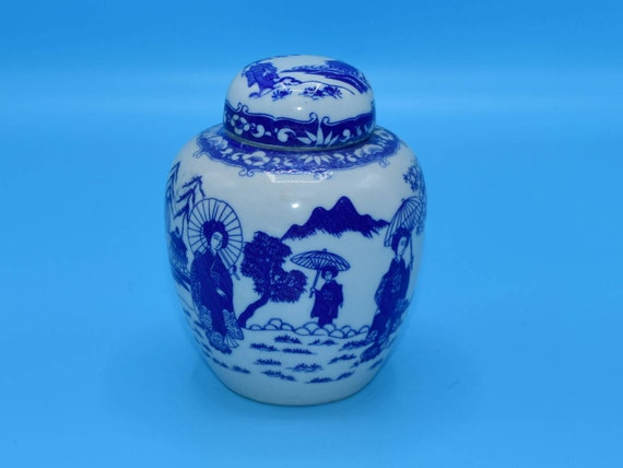 Blue & White Ginger Jar Vintage Isco 3 Pieces Blue Geisha Porcelain Jar Dome Lid Made in Japan Numbered Geisha Girls Design Vase Tea Caddy