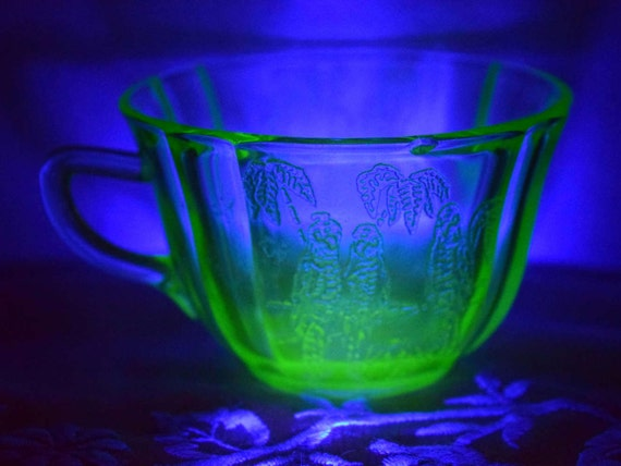 Federal Glass Green Depression Parrot Cup Vintage 1930s Sylvan Parrot Pattern Coffee Cup Vaseline Uranium Glass Tea Cup Federal Glass Co