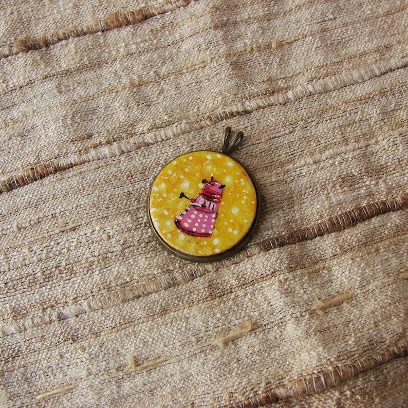 matching pendant gratis Tiny Daleks Earrings