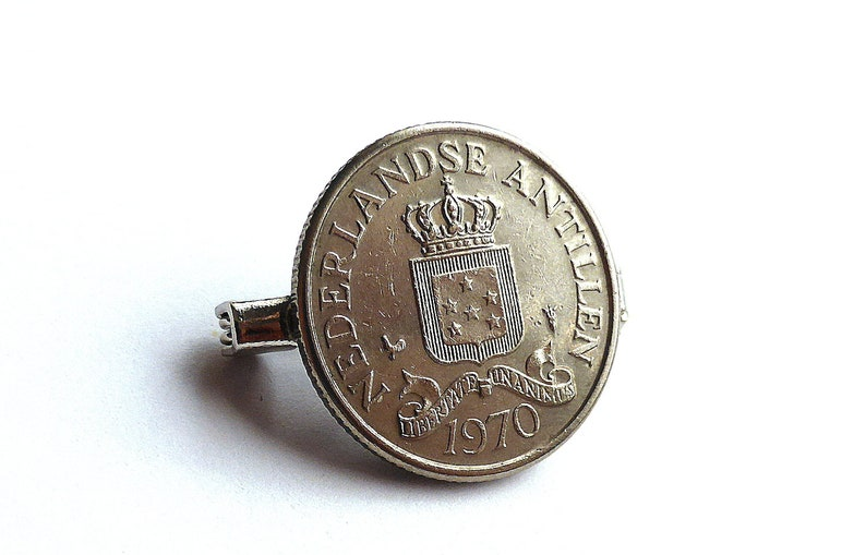 Gift for him or her Dutch Antilles Coin pin Accessory Clothing accessory Vintage 1970 coin brooch Pin Coin Netherlands Vintage pin