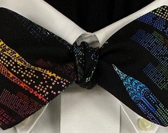 SKYSCRAPERS and Everything: handmade, dramatic New York skyline, vibrantly colored skyscrapers on a black background make a distinctive tie
