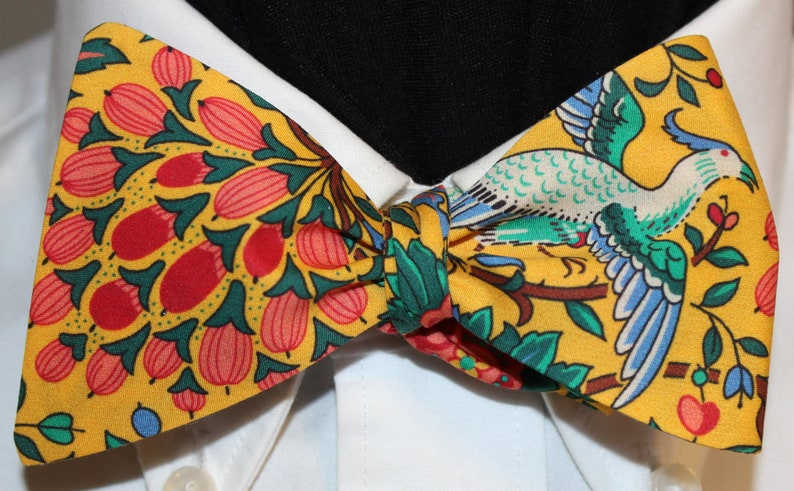 91d7e4d1be74 PARADISE FOUND Bow Tie: Liberty of London cotton self tie   Etsy