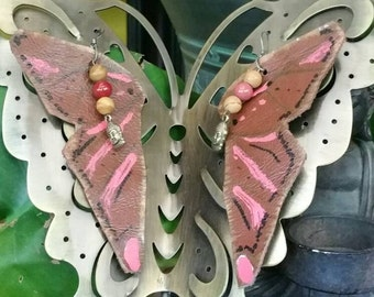 Butterfly handmade leather earring! Coco brown & pink down and ready to fly just to you !