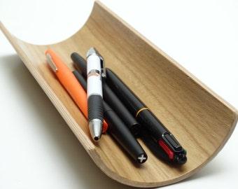 Oak wooden pen holder