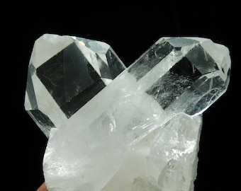A Very Nice and 100% Natural AAA Quartz Crystal TWIN Found in Brazil 194gr