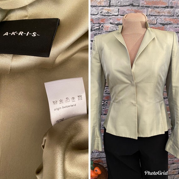 Vintage AKRIS Pistachio Green Silk Statement Jacke