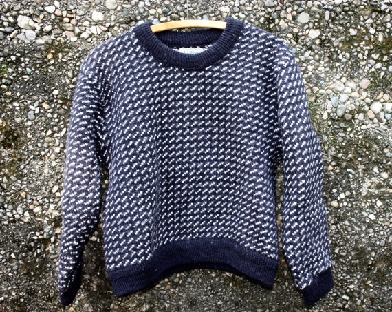 Super Warm and Thick Classic Navy with White Dash Pattern Sweater. Navy Ringers. 80/20 Percent Wool/Rayon. Size Womens L. Made in Norway.