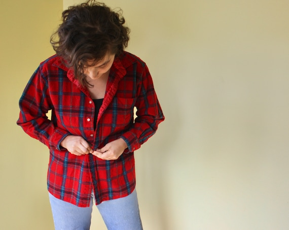 Red Plaid Flannel Pendleton made in USA. Vintage Button down with Breast Pocket.