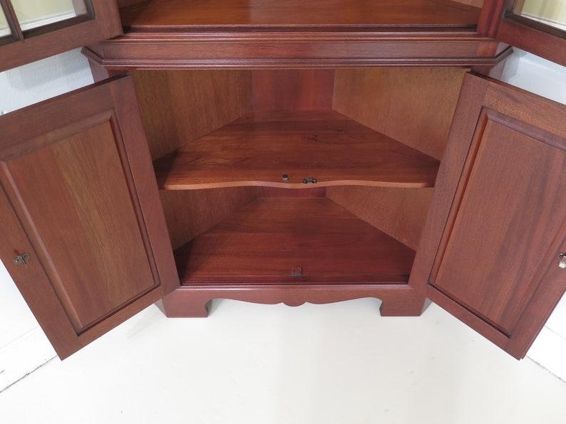 CRAFTIQUE Chippendale Solid Mahogany Corner Cabinet 46686EC