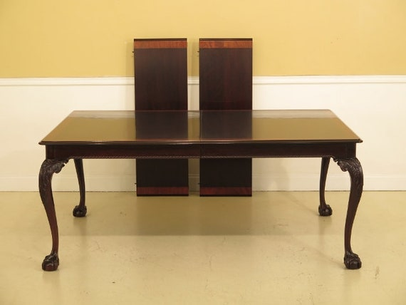 L43549EC: STICKLEY Ball & Claw Mahogany Dining Room Table
