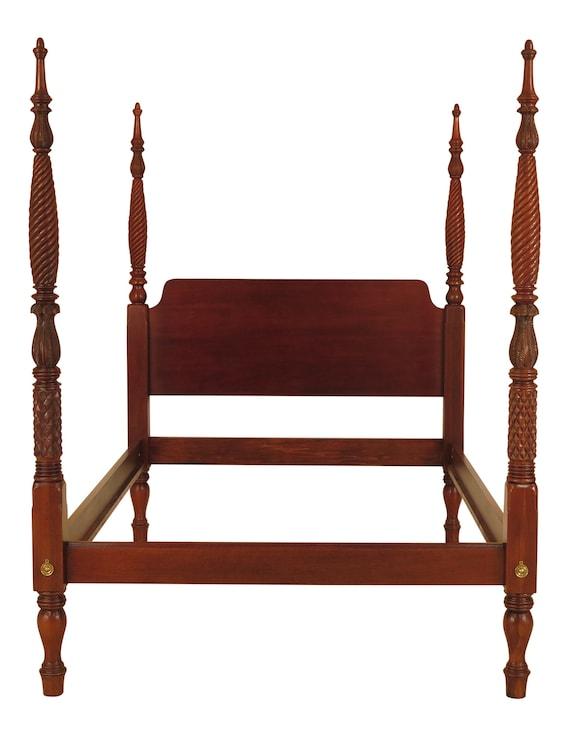 Strange 46024Ec Hickory Chair Co Queen Size Mahogany Plantation Bed Uwap Interior Chair Design Uwaporg