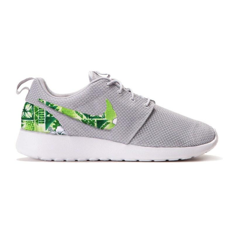free shipping 8a9e7 7e36e New Nike Roshe Run Custom Green White Tropical Hawaiian Palm   Etsy