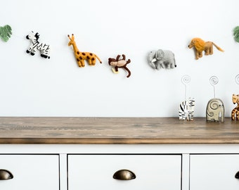 Felt animal garland / baby jungle animal banner / decor jungle theme nursery / Safari Nursery