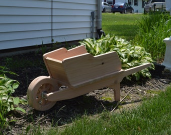 Cedar Wheelbarrow Planter, Large Cedar Planter, Wooden Planter, Garden  Planter, Yard Decor, Garden Decor, Wood Planter, Flower Planter