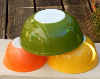 Vintage Pyrex Bowls, Green Yellow Orange Pyrex, Nesting Bowl Set, Pyrex Mixing Bowl, Nesting Bowls, Vintage Kitchen, Retro Kitchenware
