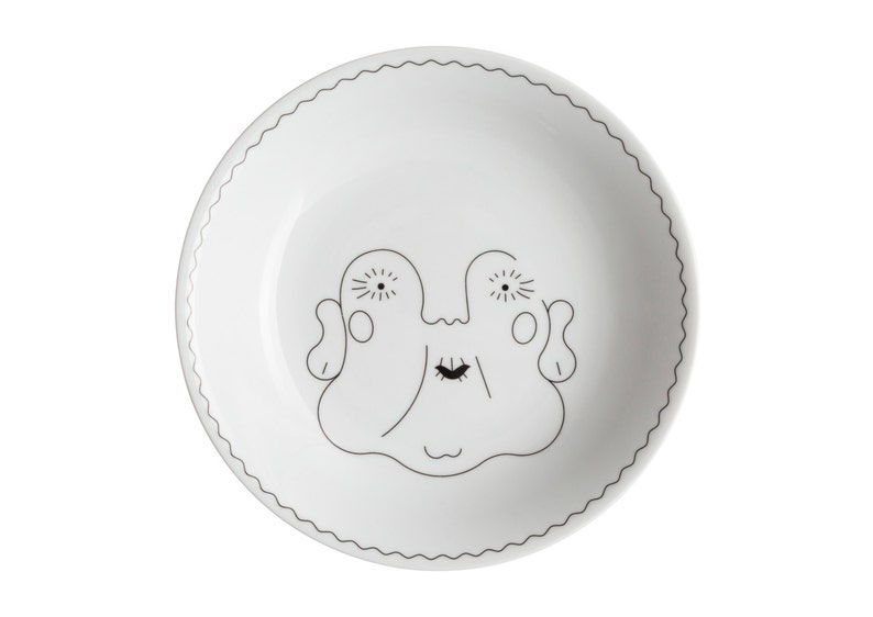 Service de Famille: La Grand-Mère. Illustrated porcelain image 0