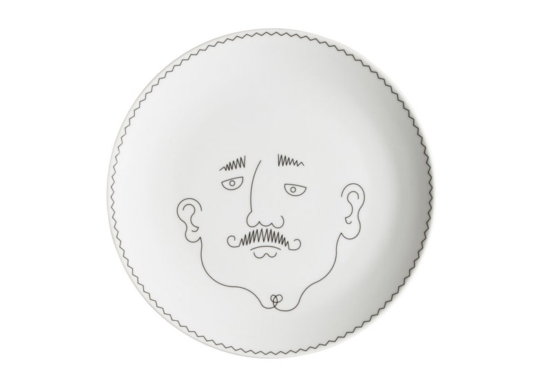 Service de Famille: Le Père  a porcelain  illustrated plate  image 0