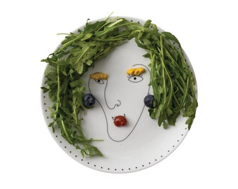Service de Famille: plate La Mère - a porcelain mum with no hair - create her haircut with food