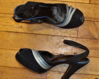 Vintage 1940's Dark Blue Suede Peep Toe Ankle Strap High Heel Shoes * Size 6.5