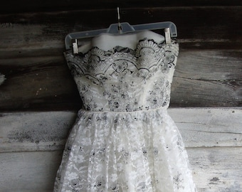 Vintage 1950's White and Black with Silver Tulle and Lace Strapless Party Prom Dress * XXS  XS