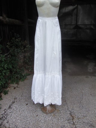 Antique Victorian Edwardian Petticoat with Gathered Back and Double Flounce with Embroidery * XS