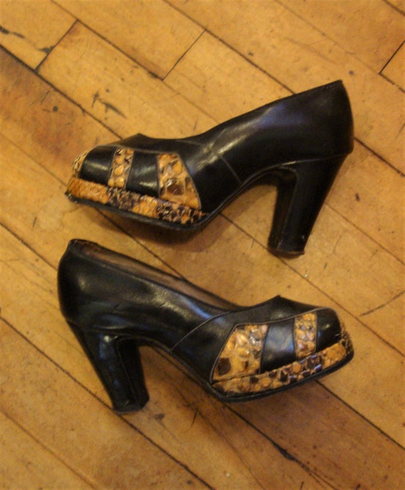 Vintage 1930's 1940's Leather and Snakeskin Platfo