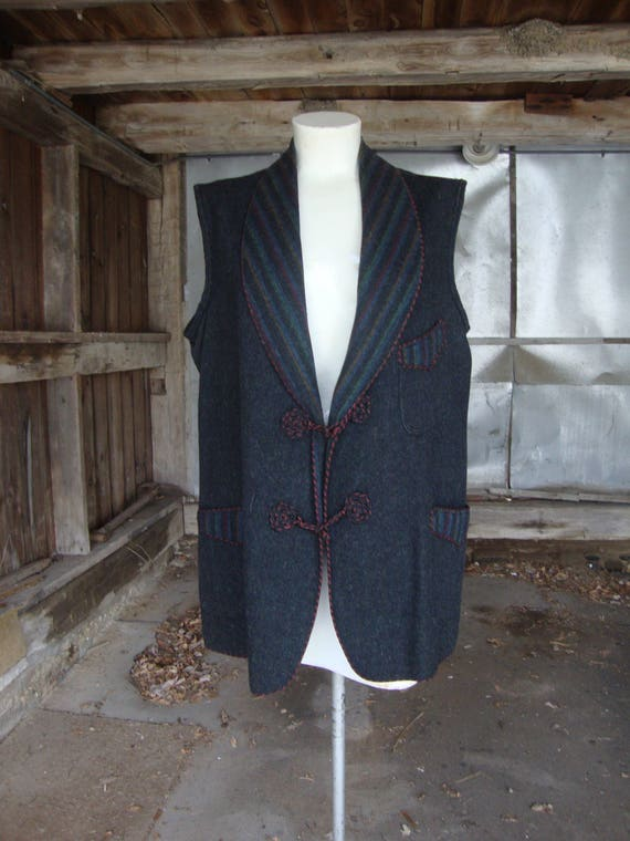 Vintage Antique Wool Shawl Collar Vest * Circa 191