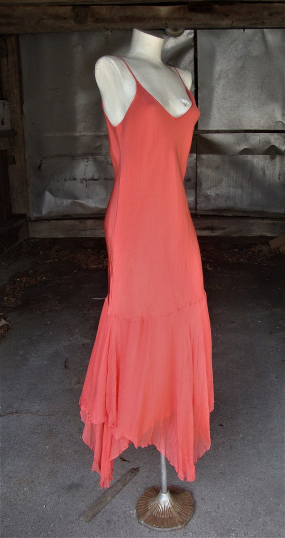 Lovely Vintage Coral Silk and Chiffon 1920's 1930… - image 7