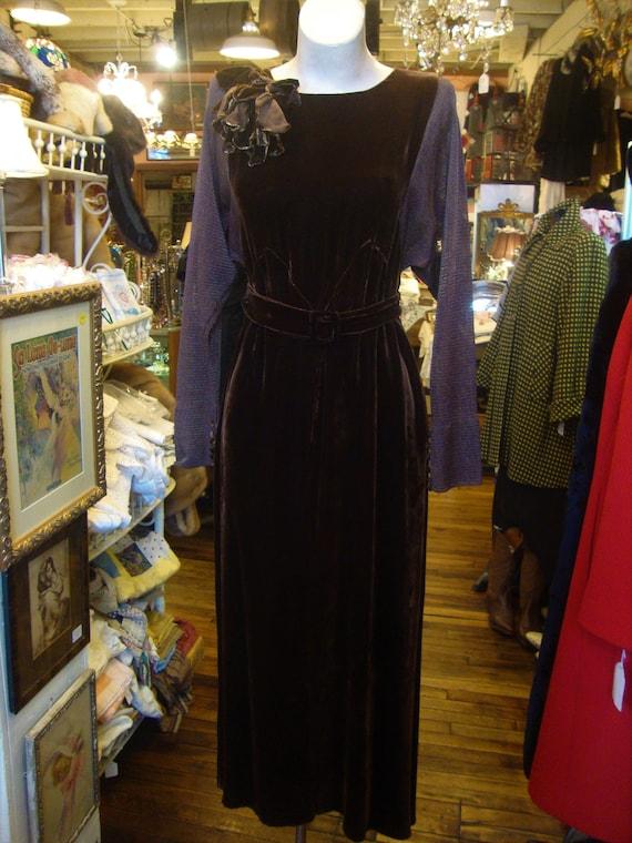 Vintage 1930's Nutmeg Brown Bias Silk Velvet and M