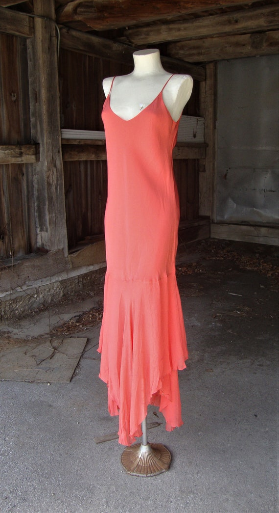 Lovely Vintage Coral Silk and Chiffon 1920's 1930… - image 4