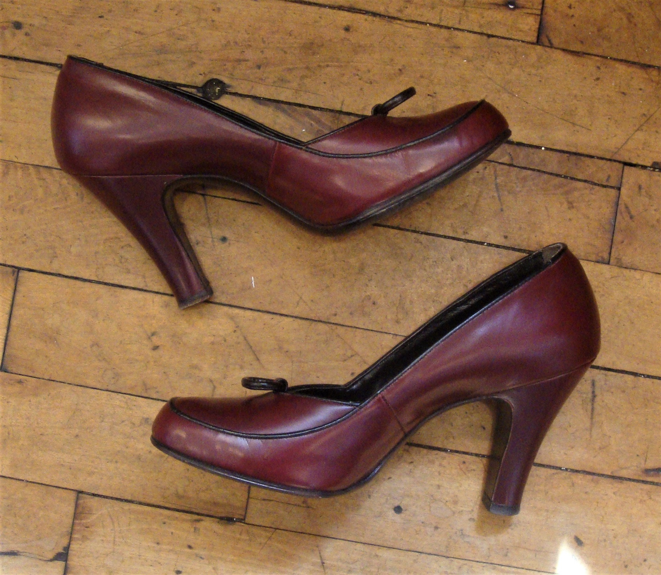 1940s Jewelry Styles and History Vintage 1940s 1950s Wine Maroon Baby Doll Pin Up High Heel Shoes Pumps Size 7N $0.00 AT vintagedancer.com