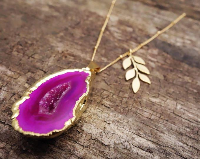 Featured listing image: Exotic Achat Kette mit Blättchen