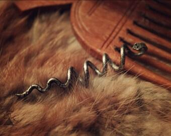 Snake hair hook
