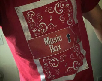 t-shirt red MUSIC BOX