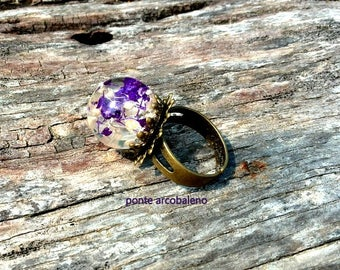 Resin globe ring/bronze ring/ vintage/ real flower/ dried flower/ adjustable ring/ ball/ handmade/ gift/ flower ring/