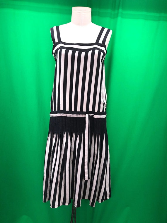 Vintage 80s Flora Kung Neiman-Marcus 12 Black Whit