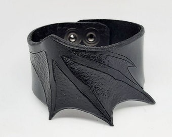 Leather bracelet, bat wing, Bat wing, wristband, cuff, in real leather, bat wing, vampire, gothic